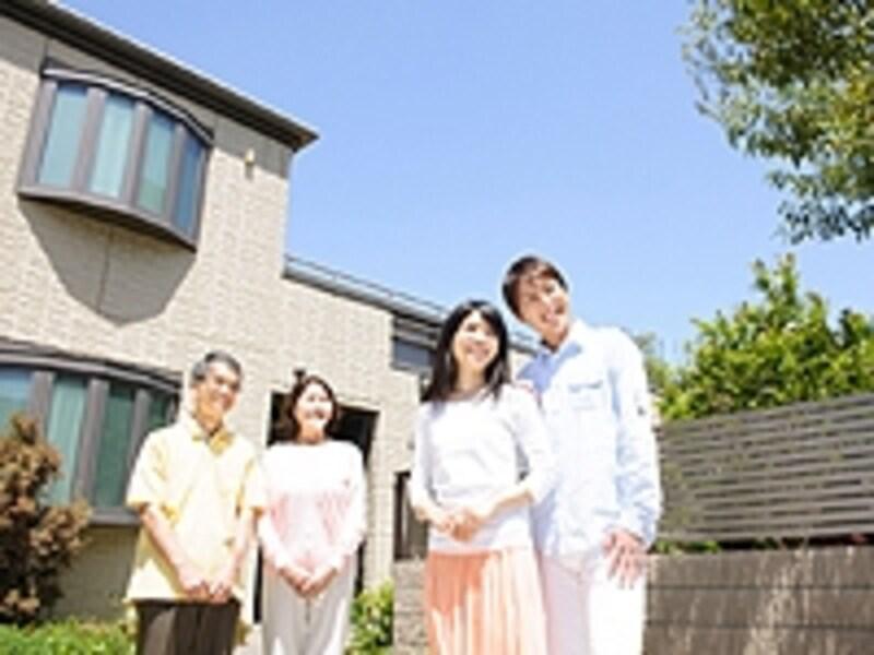 二世代の家族のイメージ写真