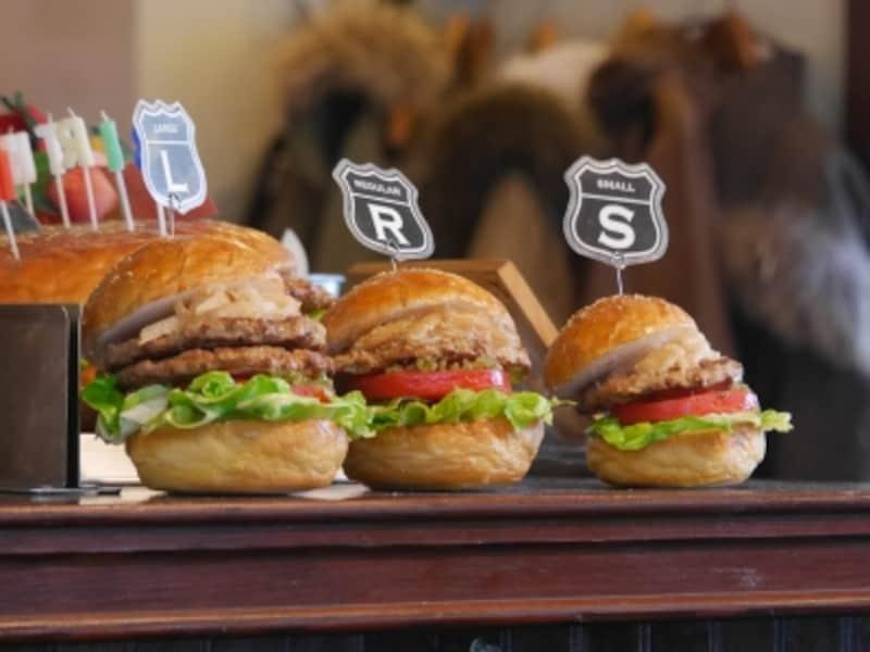 3つのハンバーガーサイズ
