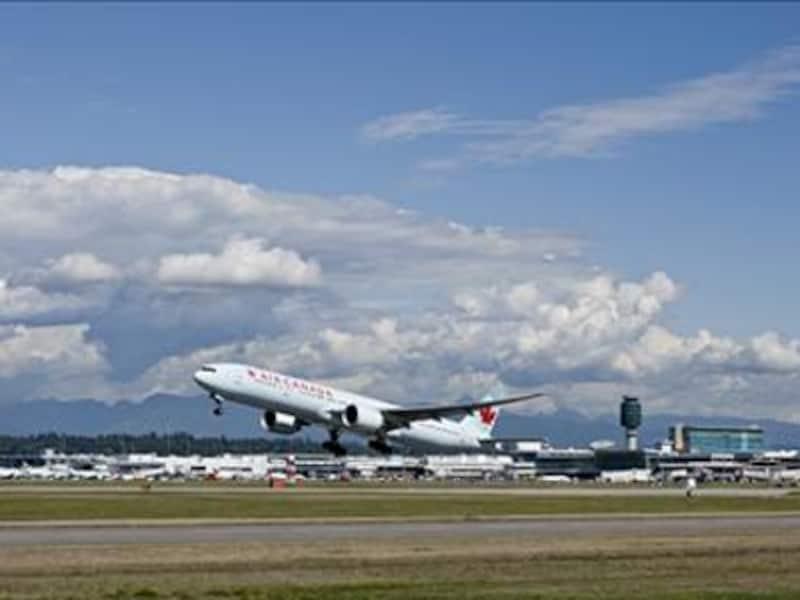 カナダのフラッグシップであるエアカナダを始め、数多くの航空会社が乗り入れ(C)VancouverAirportAuthority