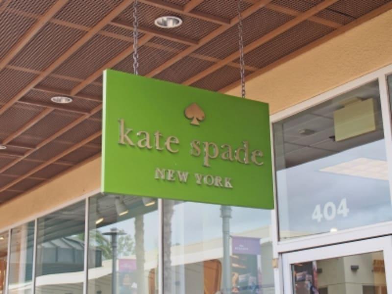 一番人気のケイト・スペードでは、混雑時には入店制限を行うことも