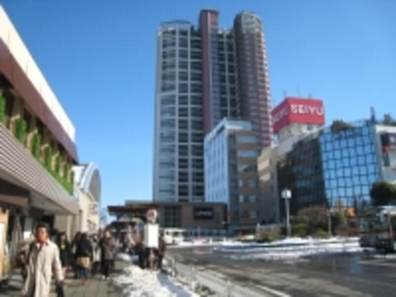 駅前のタワー