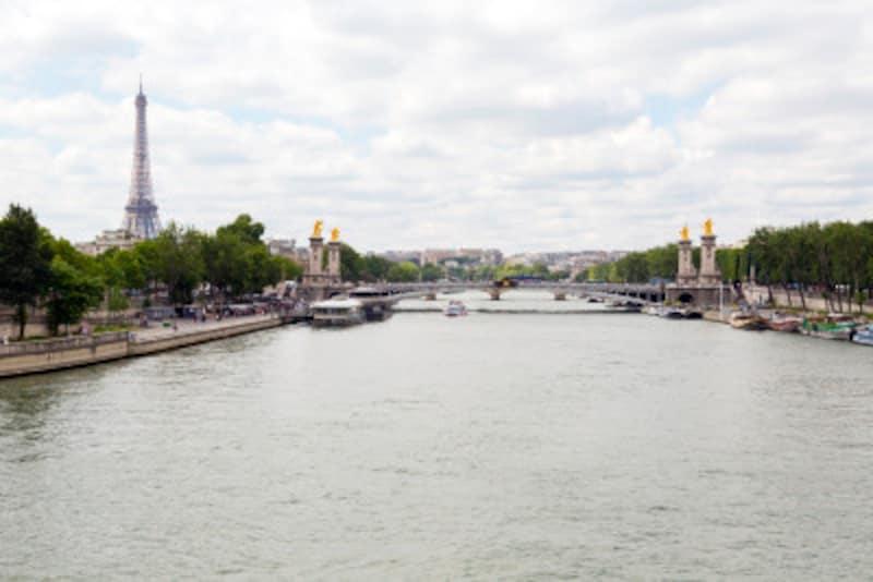 典型的なパリの曇り空