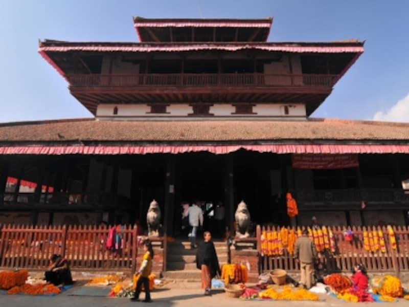 ヒンディの破壊神シヴァを祀るシヴァ寺院