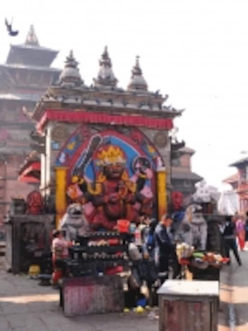 カーラ・バイラヴ像