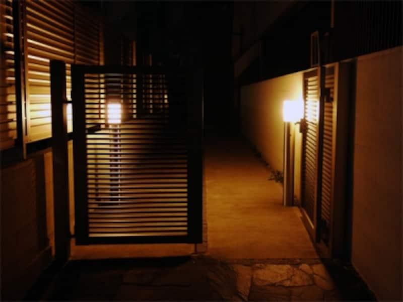 敷地延長部分の照明
