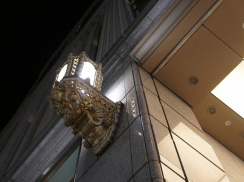 華麗な照明器具の装飾