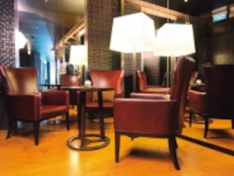 ちょっとした寛ぎスペースの家具も高級