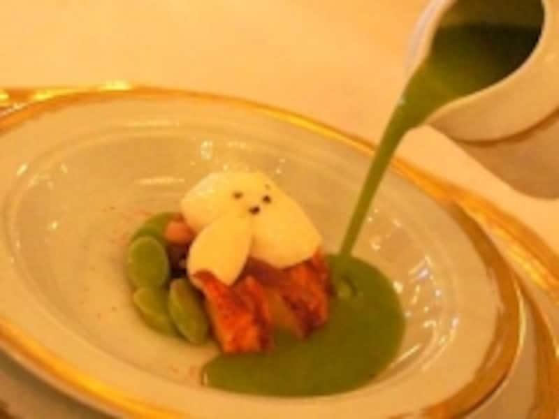 オマール海老と温野菜、軽い泡とグリーンハーブを添えて