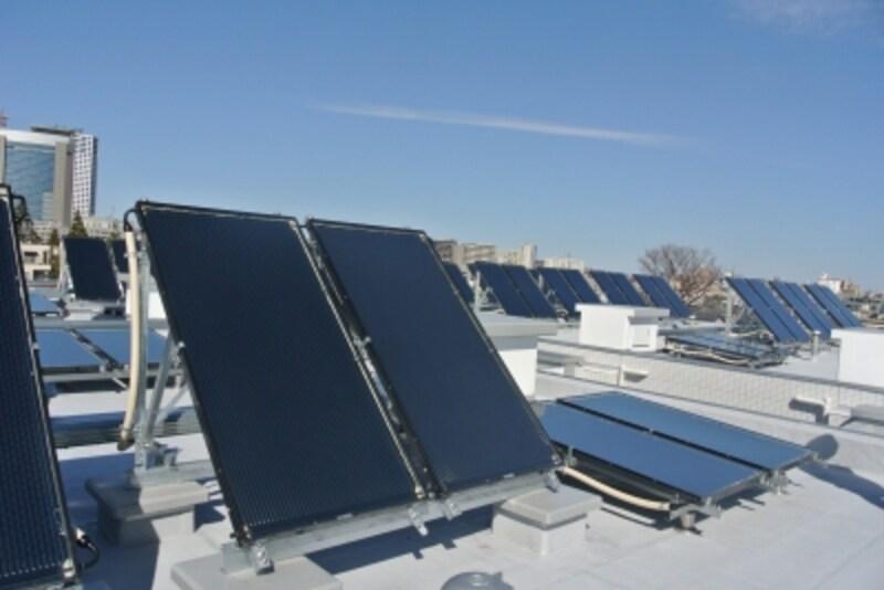 屋上の集熱ユニット