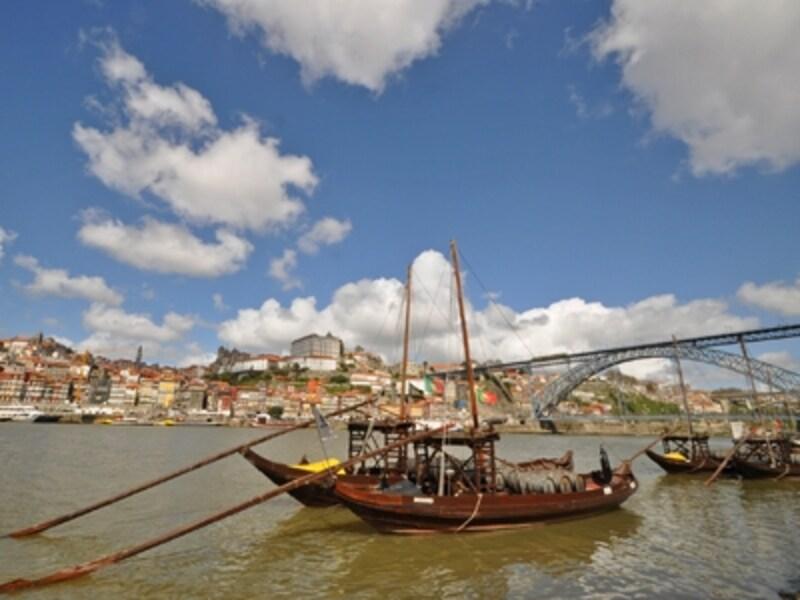 ヴィラ・ノヴァ・デ・ガイア側からポルトの歴史地区