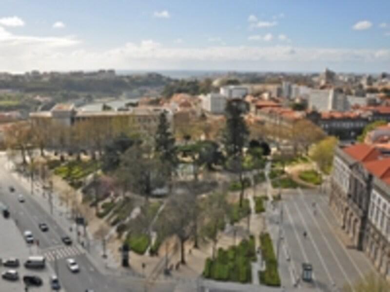 クレリゴスの塔からの眺め