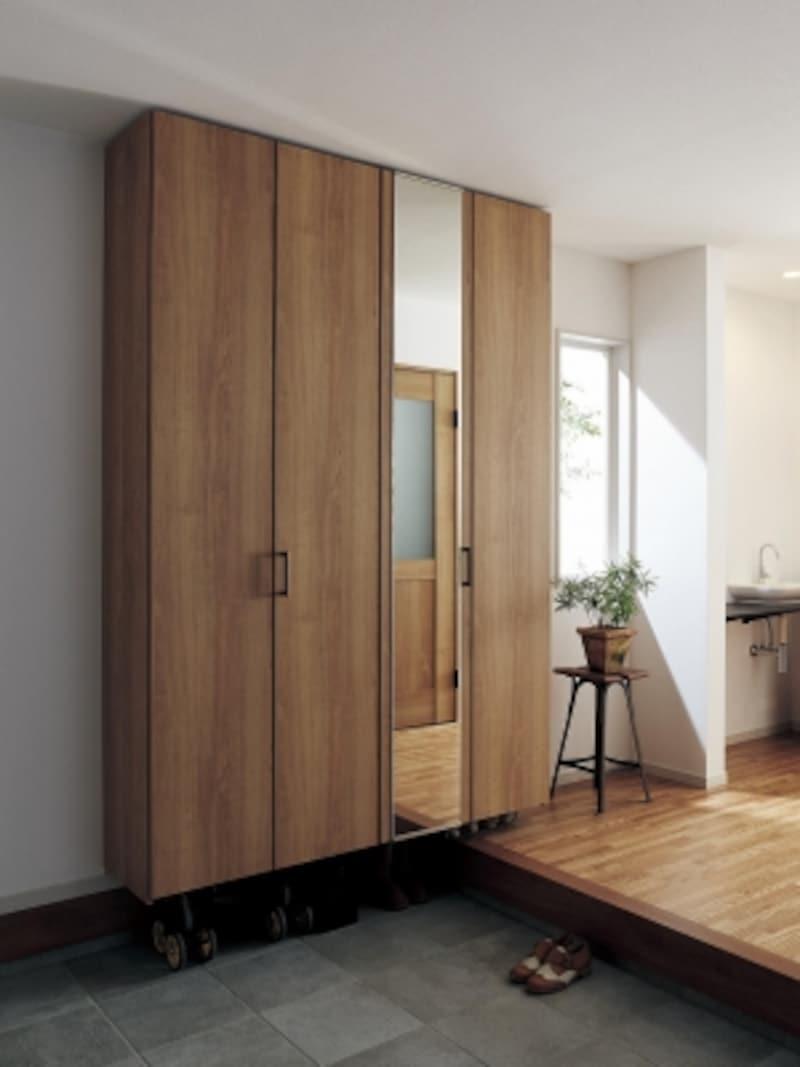 樹脂化粧シート仕上げの扉は、フラットタイプと横木目タイプがあり、ウォルナット柄やチェリー柄、オーク柄、ホワイトアッシュ柄などが揃う。undefined[玄関用収納クロークボックス]undefinedパナソニックエコソリューションズundefinedhttp://sumai.panasonic.jp/