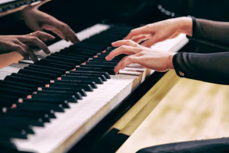 指の動きが思うようにコントロールできるまで、基礎パターンを繰り返し練習しよう