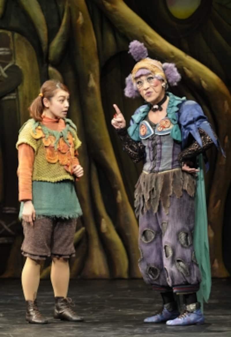 『魔法をすてたマジョリン』マジョリンとニラミンコundefined撮影:阿部章仁
