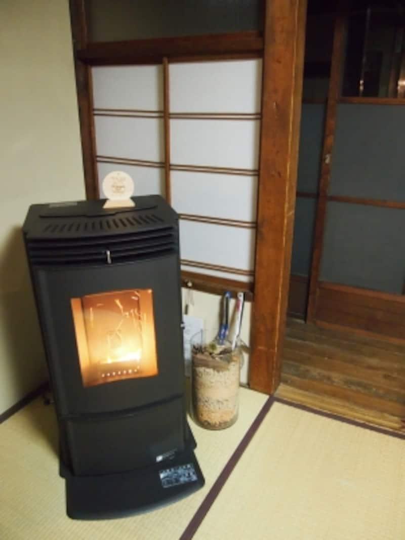 京都の町家にペレットストーブが暖を運んでくれる*