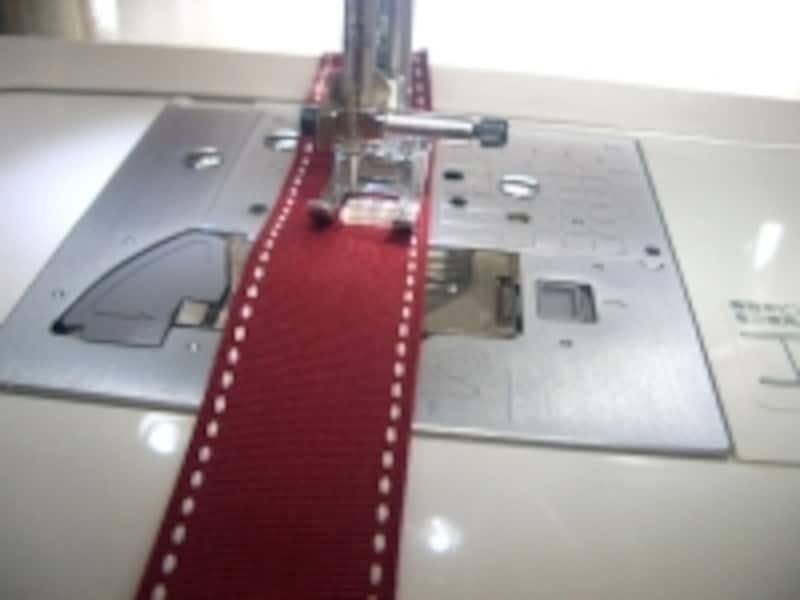 大きな針目でミシンをかける