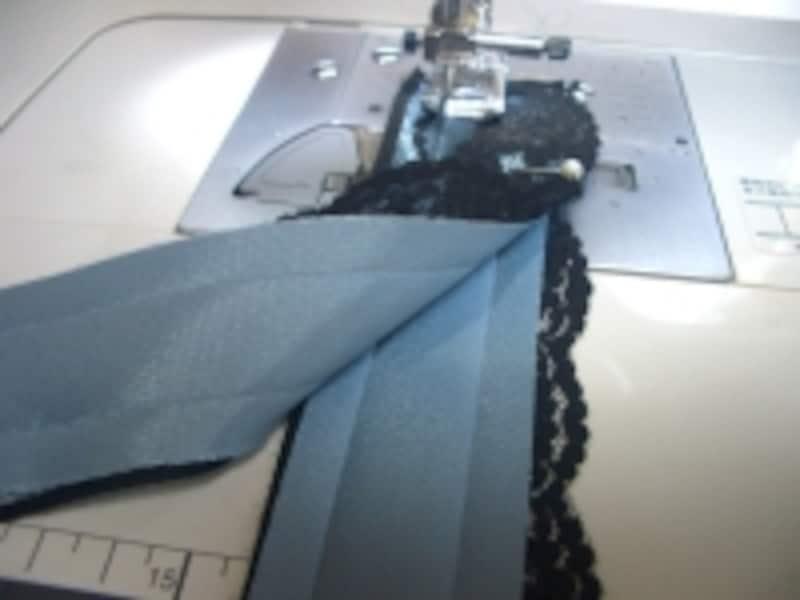 重ねて縫う