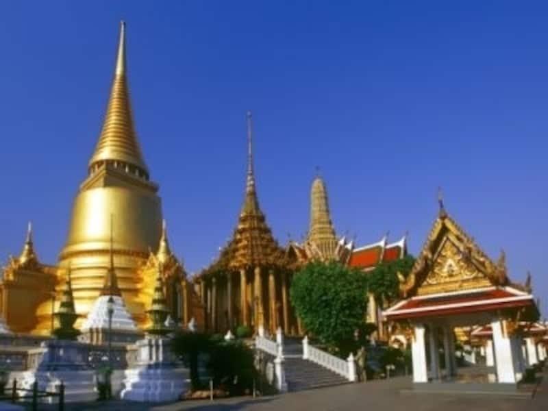 寺院の中には鮮やかな壁画が描かれていることが多い(c)タイ政府観光庁