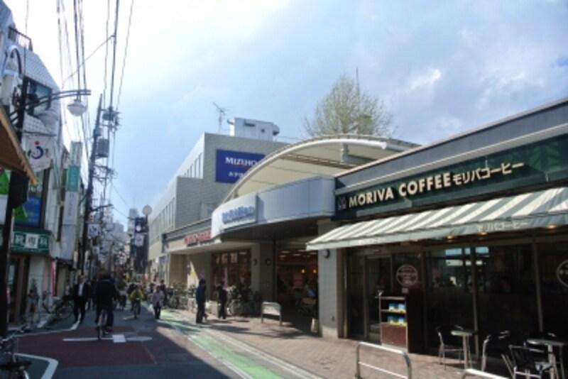 「富士見台」駅前の風景