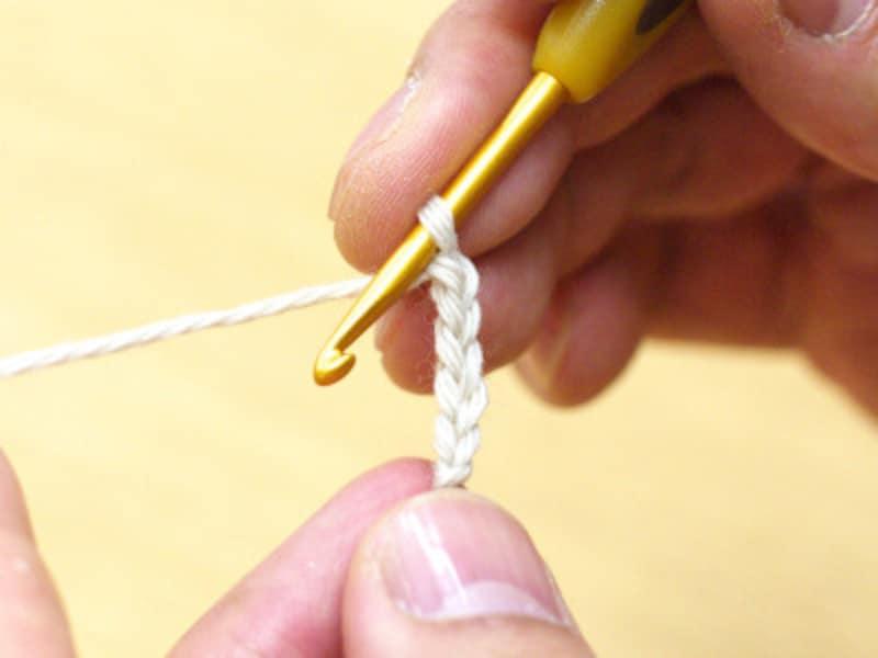 中心の鎖編みからスタート