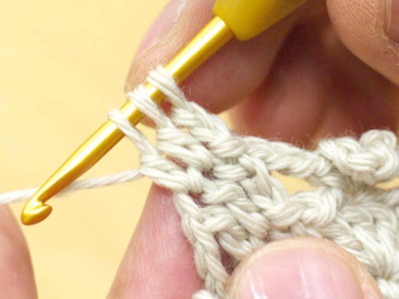 最後の2ループを引き抜かない長編みをする