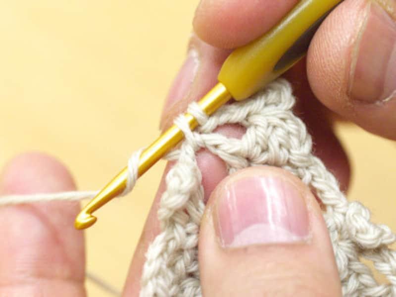 鎖編みをすっぽり拾う