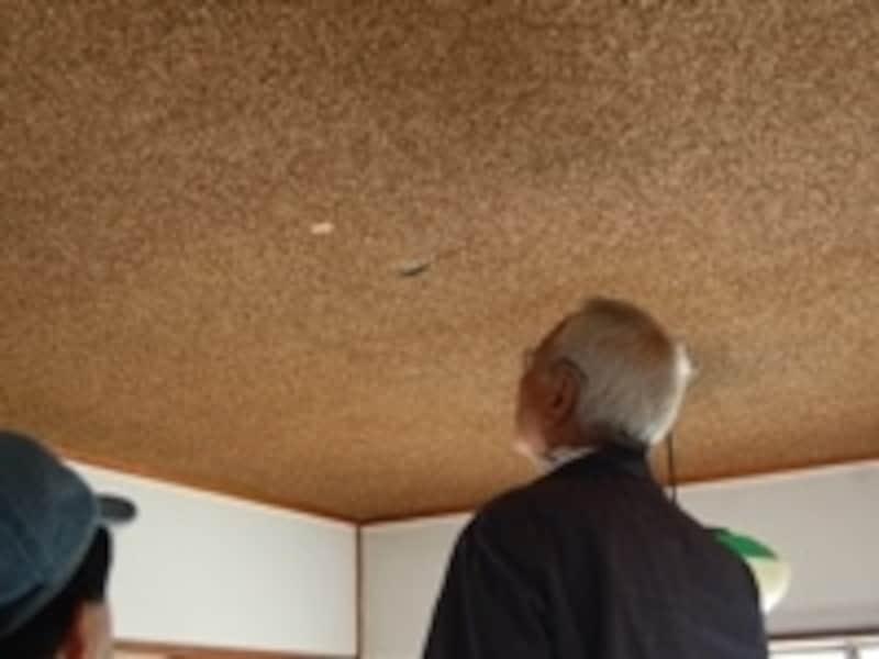 今回取材のご協力いただいたYさんのマンションは築40年を経過し、住まいのあちこちに傷みが見受けられました。