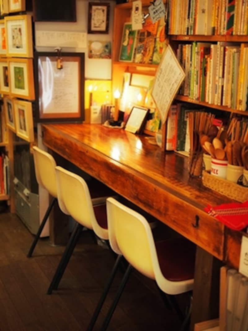 このフロアに個性的な本屋さんなどが入居してくれたら面白くなりそうなのですが、どなたか物件をお探しではありませんか?