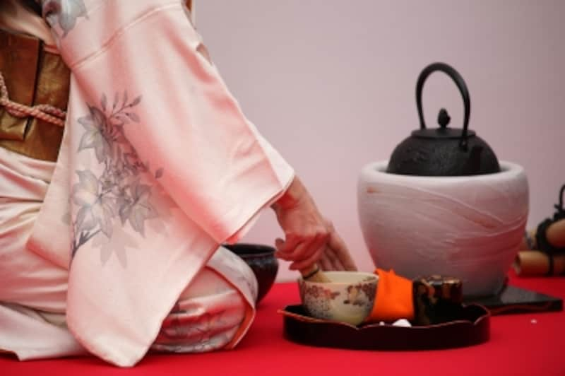 Outdoor Tea Ceremony / mrhayata