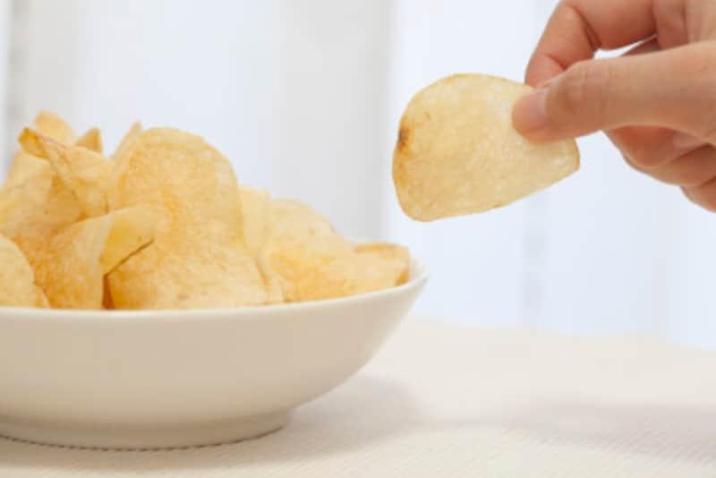 お菓子類は、知らず知らずのうちに塩分も摂ってしまいます