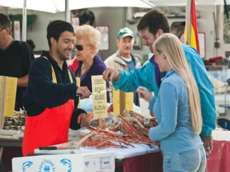 夏の魚市場