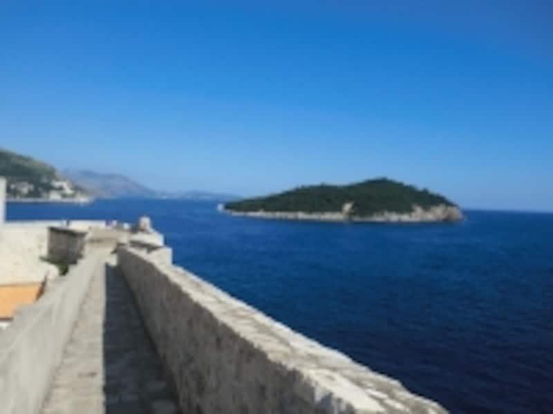 海側の城壁から見渡すアドリア海