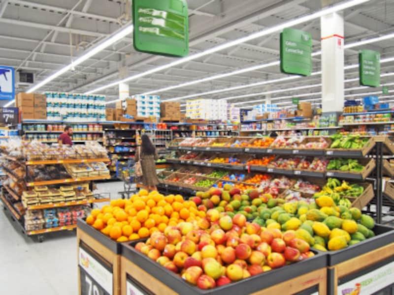 バナナやりんごなどのフルーツ、パン、クッキー等、一部の食料品を販売