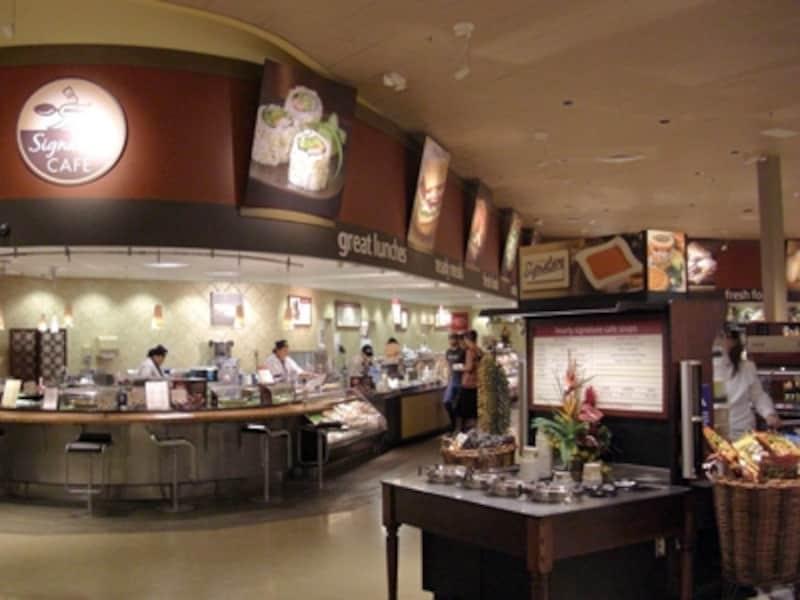 惣菜やお寿司、スープバー、サラダバーなど朝食からディナーまで揃うデリコーナー