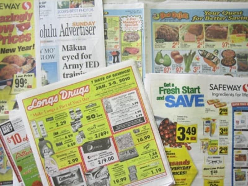 ドンキホーテ、ロングスドラッグス、セーフウェイなど日曜版のホノルル・スター・アドバタイザー紙には、クーポンがどっさり