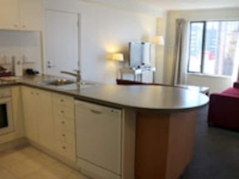 デラックス・スイートルーム以上の部屋ならキッチンが付いている