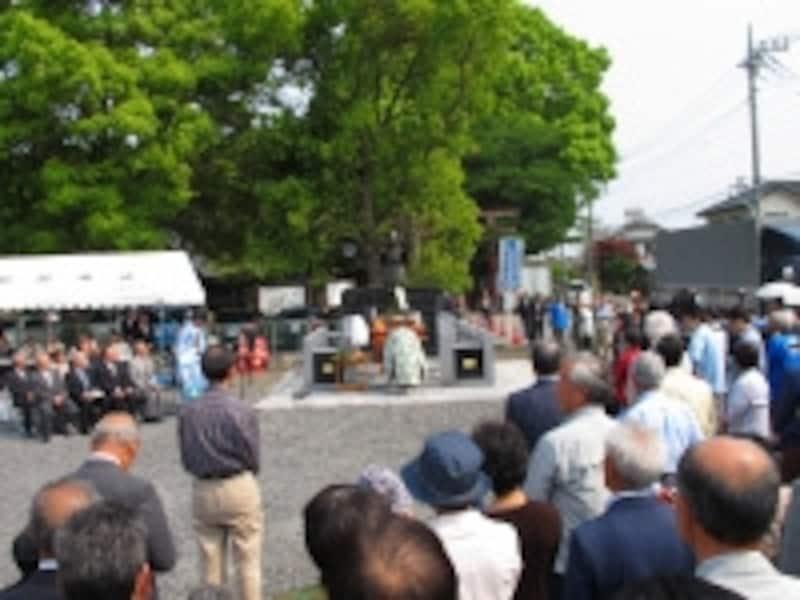 義貞公銅像除幕式