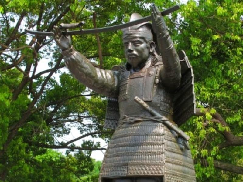 義貞公銅像