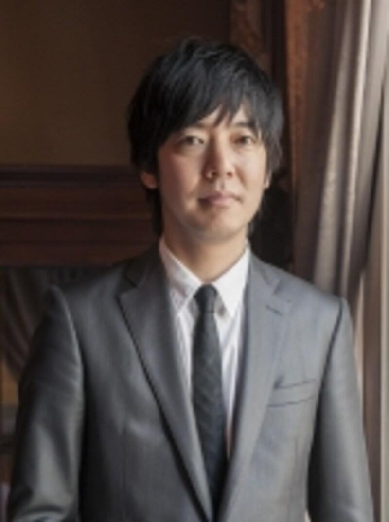 総支配人の尾藤(びとう)氏がゲストをあたたかく迎える