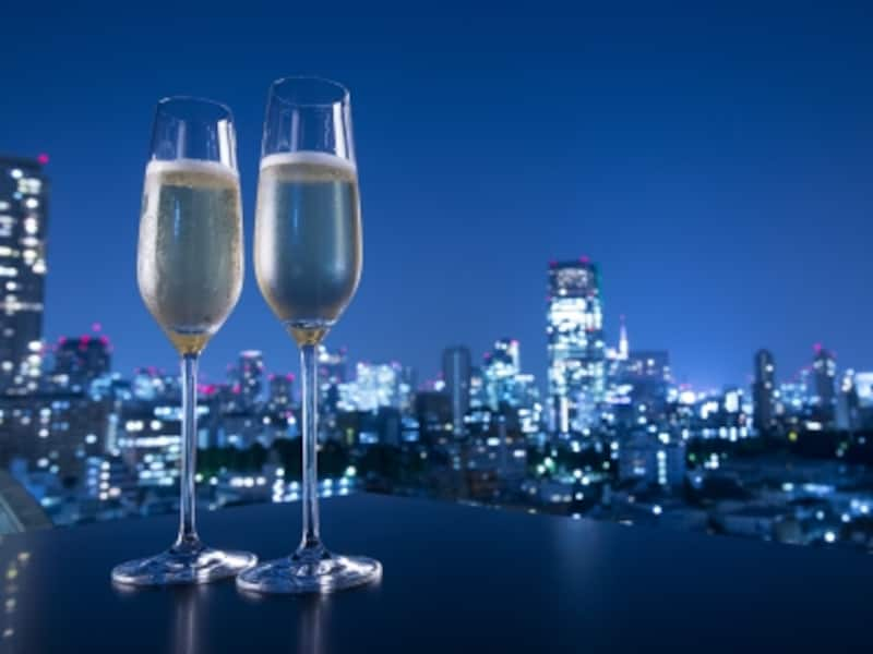 都会の夜景にはシャンパンが良く似合う