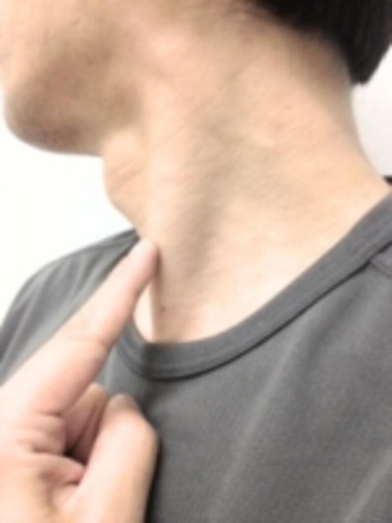コリを感じにくいかもしれませんが、胸鎖乳突筋はコリが生じやすい部位のひとつです