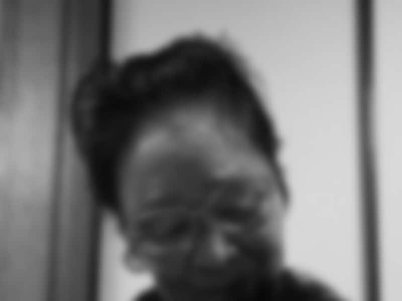 高齢のAさんは怖くて眠れず、鍵の救急専門店に電話をした。