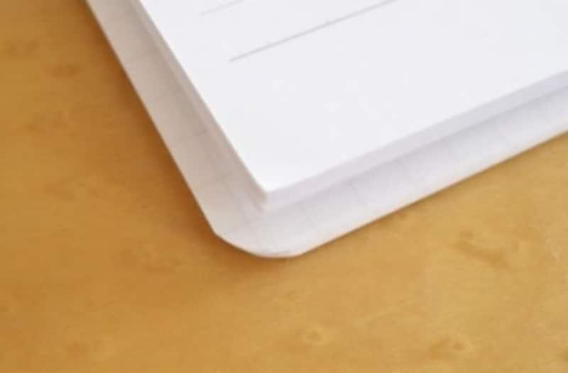 ライフのクリッパー(写真下側)は紙のサイズがやや大きかった