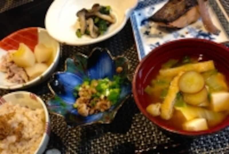 献立,一汁三菜,日本食,1975年,バランス,健康,長寿