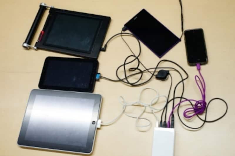 5台のスマートフォン、タブレットを同時に充電できます