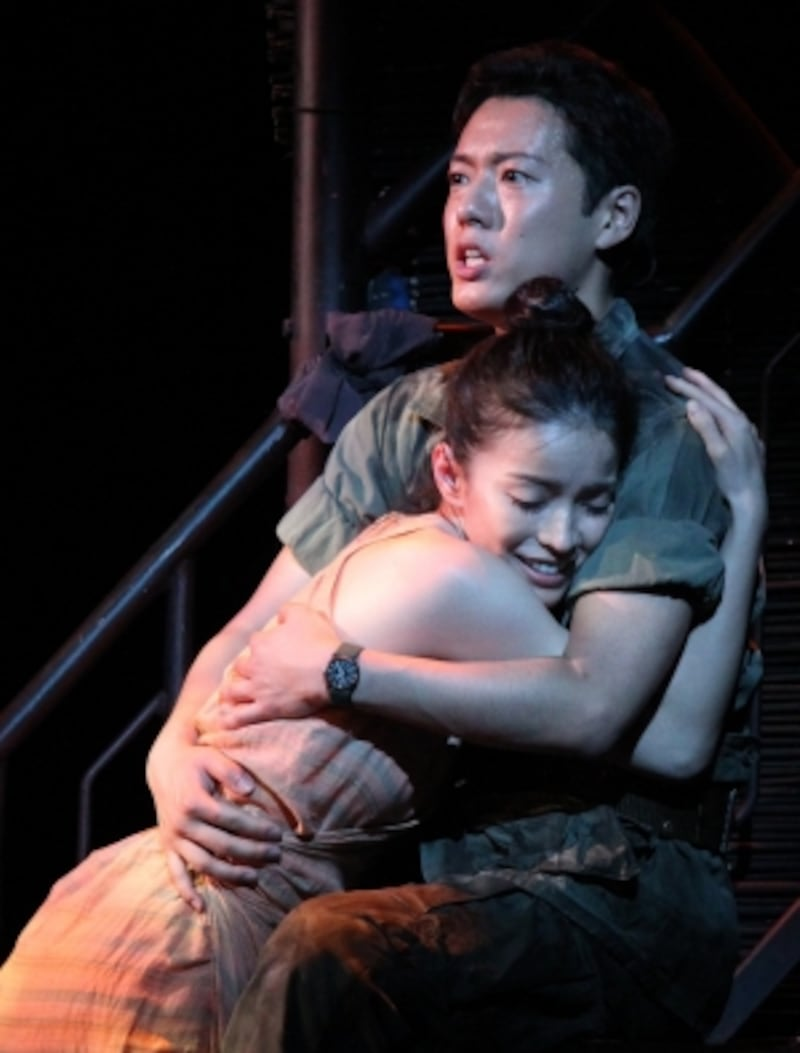 『ミス・サイゴン』2014年7、8月帝国劇場にて上演。写真提供:東宝演劇部