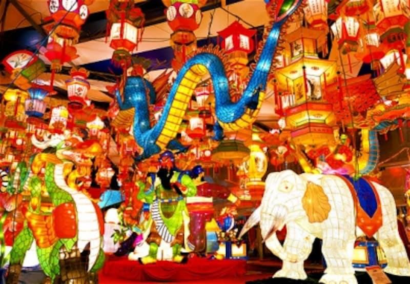 様々なランタンが長崎の町を彩ります