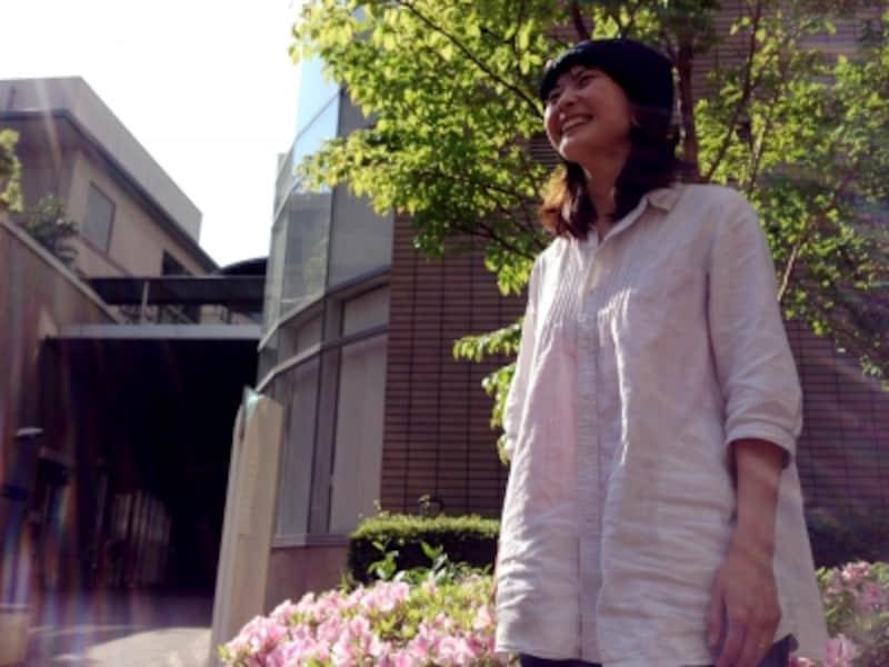 相原里紗さん。asobi基地東京支部代表。大学卒業後IT企業を経て、国家試験を受験。現在は保育士。子どもがのびのび生きられる社会をつくるために奮闘中。