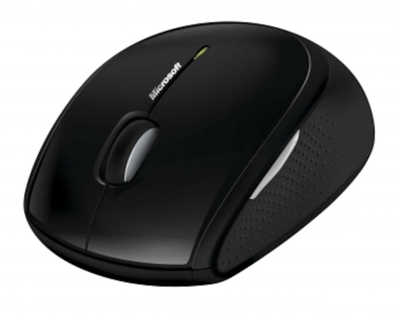 マウスは若干大きめだが、左右対称でクセがなく使いやすい