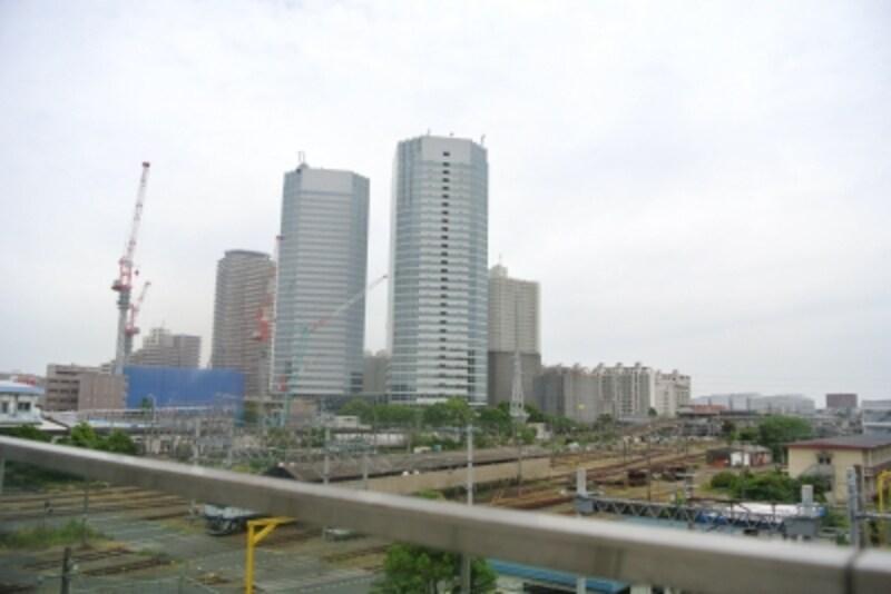 「新川崎」駅の駅前